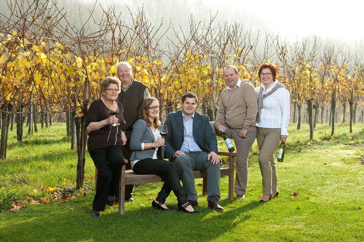 Generationen - Familie Fassold im Weingarten